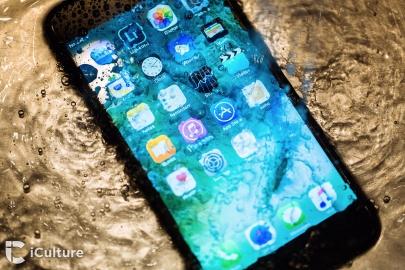 iPhone 7 review: toestel ondergedompeld in water
