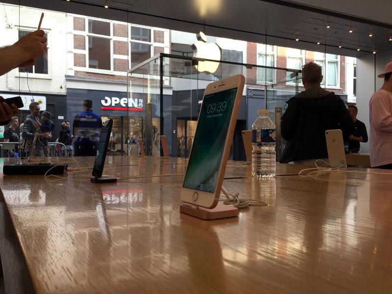 Apple Store Haarlem: verkoop van de iPhone 7
