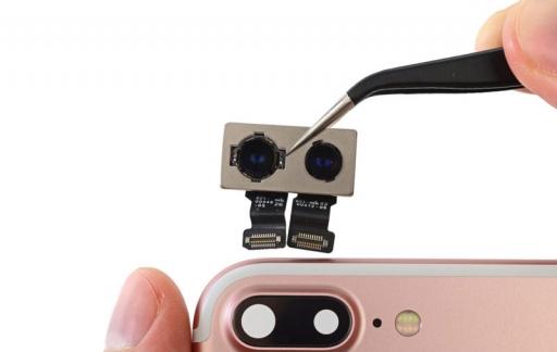 iPhone 7 teardown door iFixit: de cameramodule