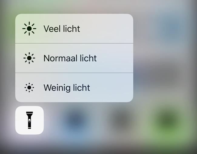 Zaklamp in iOS 10: lichtsterkte instellen