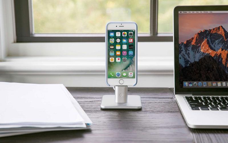 HiRise 2 bureau met MacBook