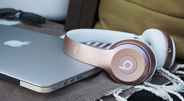 Beats by Dre met MacBook