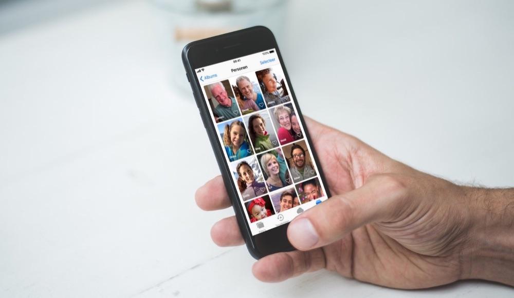 Personen in de Foto's-app op de iPhone.