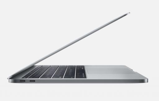 Zijkant van de nieuwe 13-inch MacBook Pro zonder Touch Bar.