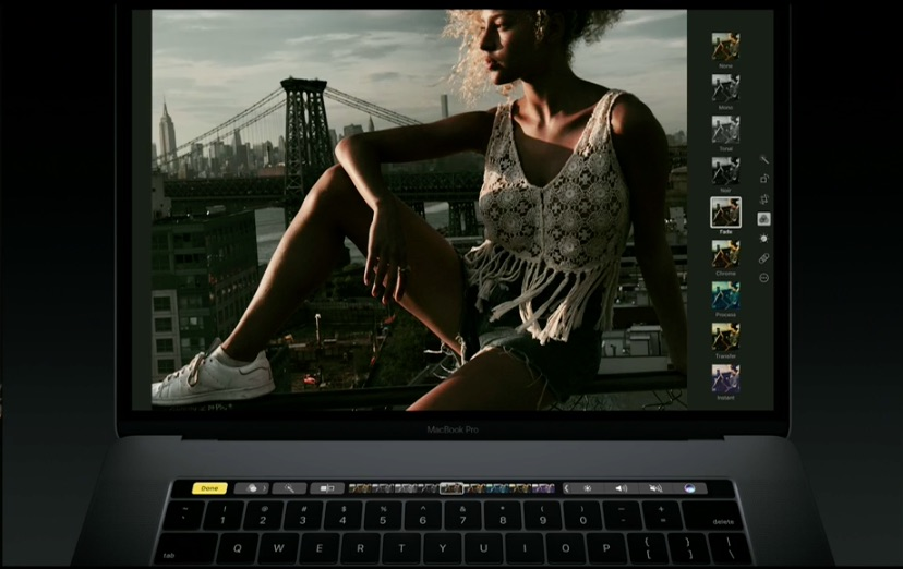 MacBook Pro met Touch Bar en Foto's.