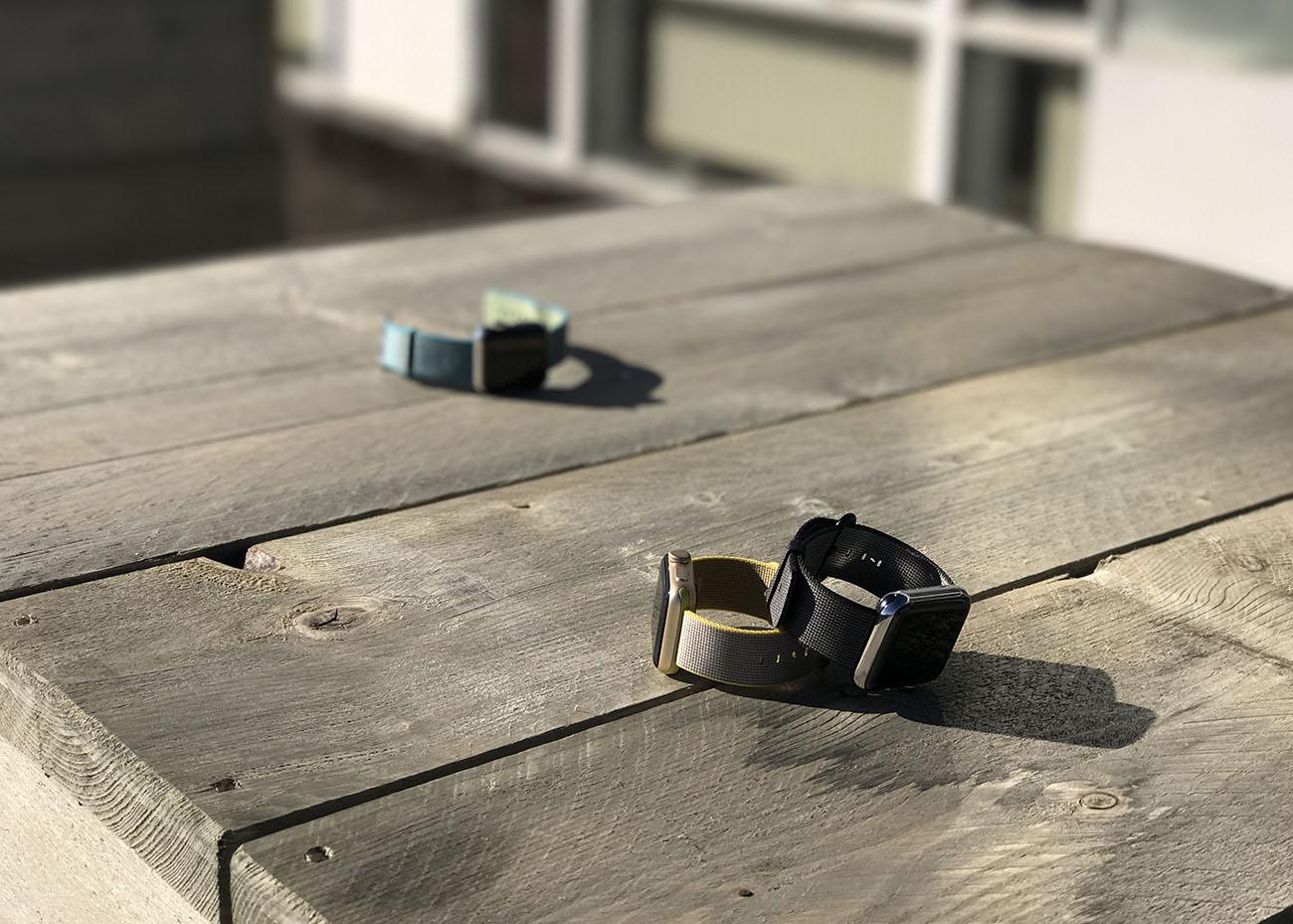 De Apple Watch Series 2, met op de achtergrond de eerste generatie