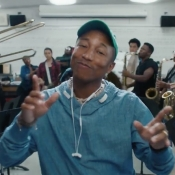 Pinokkio en Amerikaanse sterren bezingen nieuwe draadloze Beats-koptelefoons