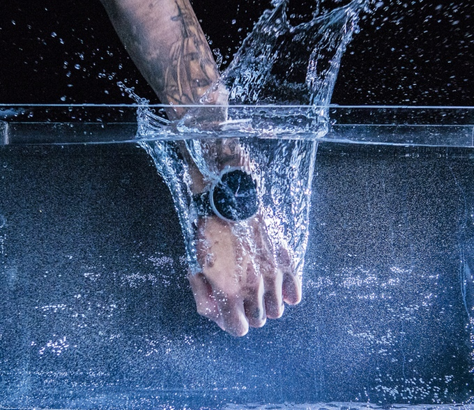 De Dagadam Watch is waterbestendig tot 30 meter