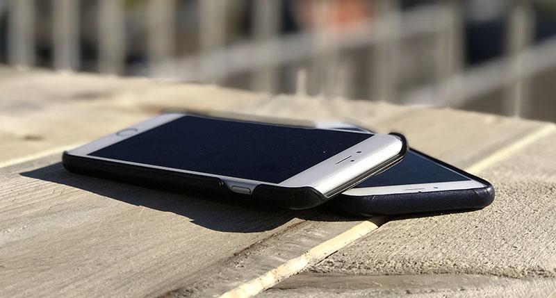 Beide hoesjes maken je iPhone nauwelijks dikker