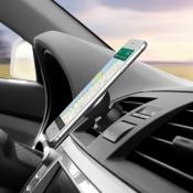 Minister Schultz wil verbod op smartphone bedienen in auto
