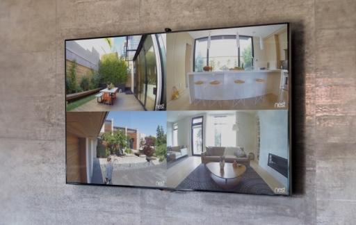 Nest met meerdere schermen op de Apple TV.