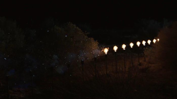 Bulbs: rij met gloeilampjes in Apple's reclamespot