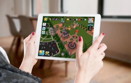 RollerCoaster Tycoon Touch voor de iPad.