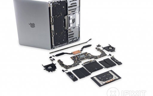 Teardown van nieuwe MacBook Pro met Touch Bar.