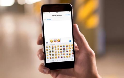 iOS 10.2 met nieuwe emoji's.
