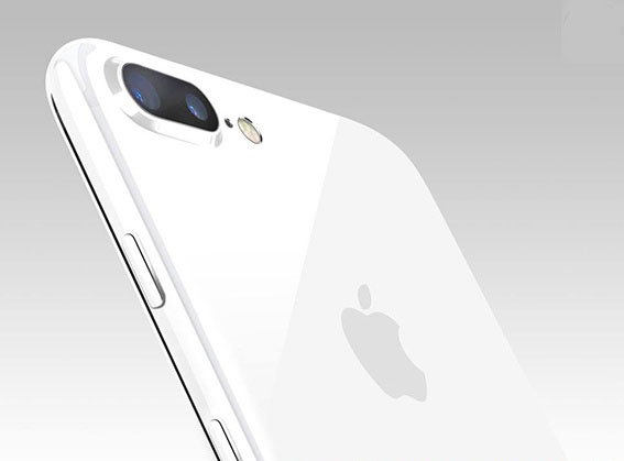 iPhone 7 in Jet White
