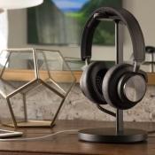 Fermata houder voor hoofdtelefoon op een bureau