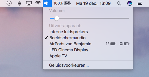 AirPods luisteren via je Mac.
