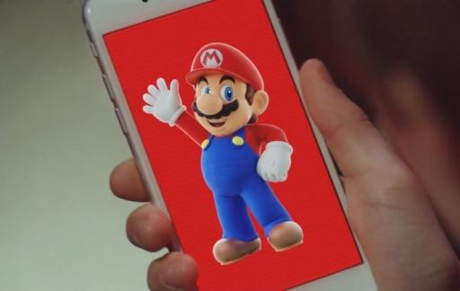 Super Mario Run met een zwaaiende Mario op de iPhone.