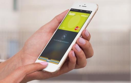 iPhone met Apple Pay en de boon-app.