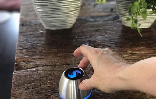 Spin Remote aanraken en de kleur gaat aan