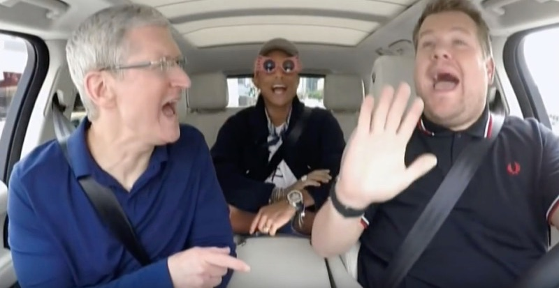 Carpool Karaoke met Tim Cook.