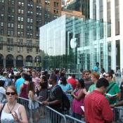 Zo verliep de verkoopstart van de allereerste iPhone in 2007