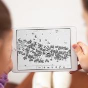 Hidden Folks op de iPad samen spelen.