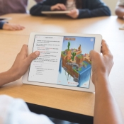 9,7-inch iPad met Swift Playgrounds.