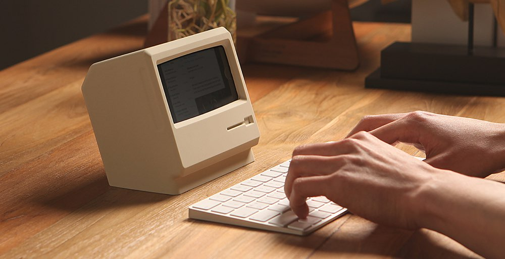 Elago M4 iPhone-stand Macintosh