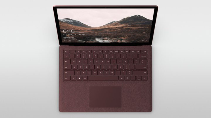 Microsoft Surface Laptop vs MacBook: software