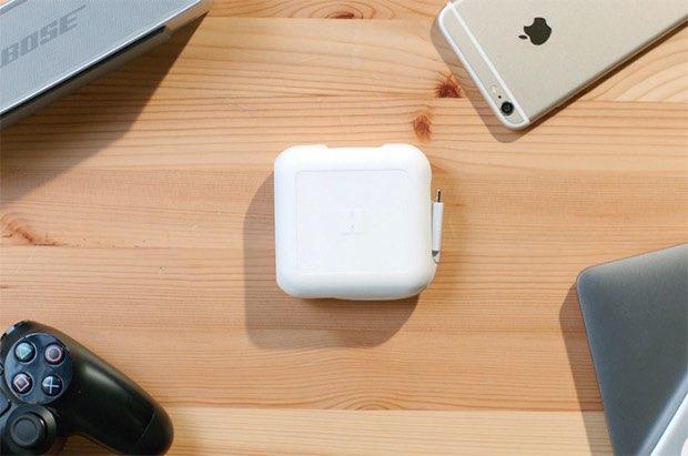 PowerUp voor MacBook, op een bureau