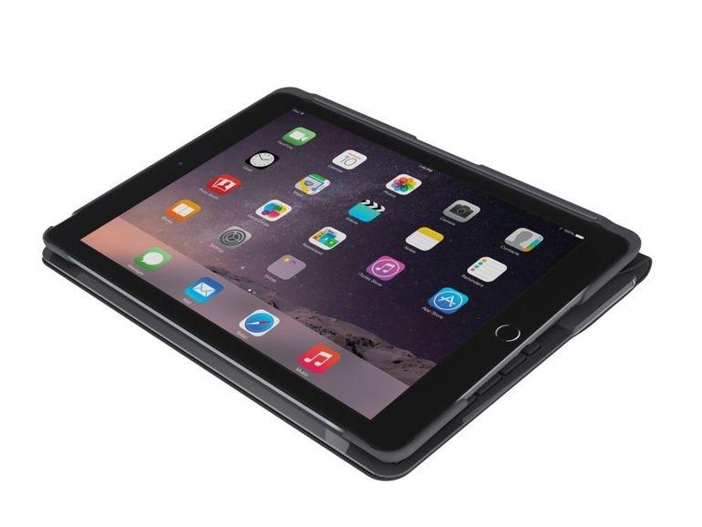 Slim Folio voor iPad van Logitech ingeklapt.