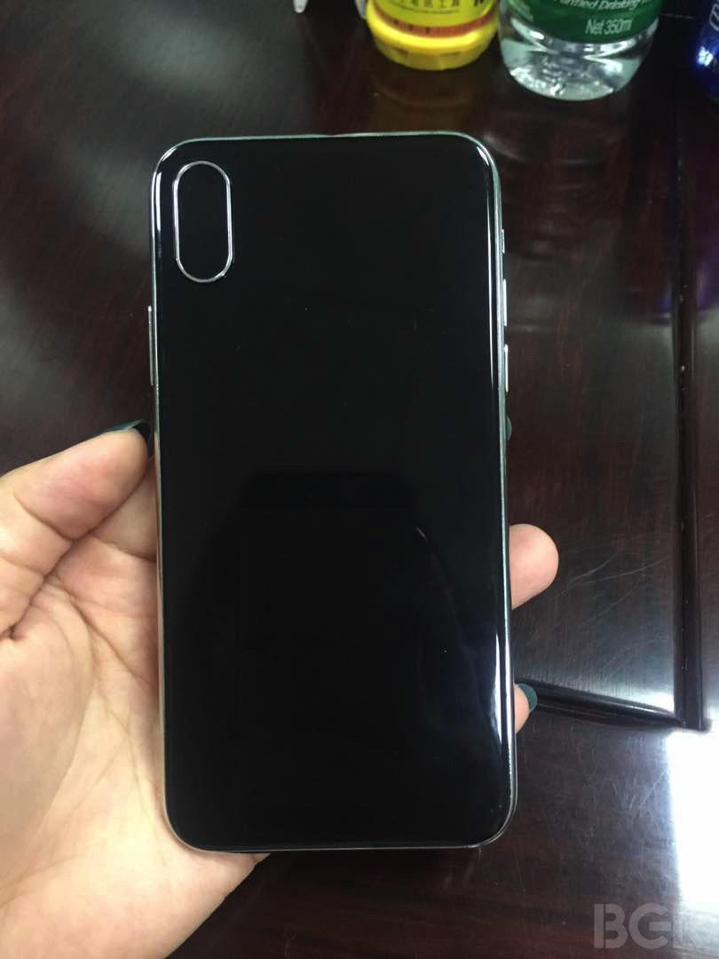iPhone 8 dummy van de achterkant.