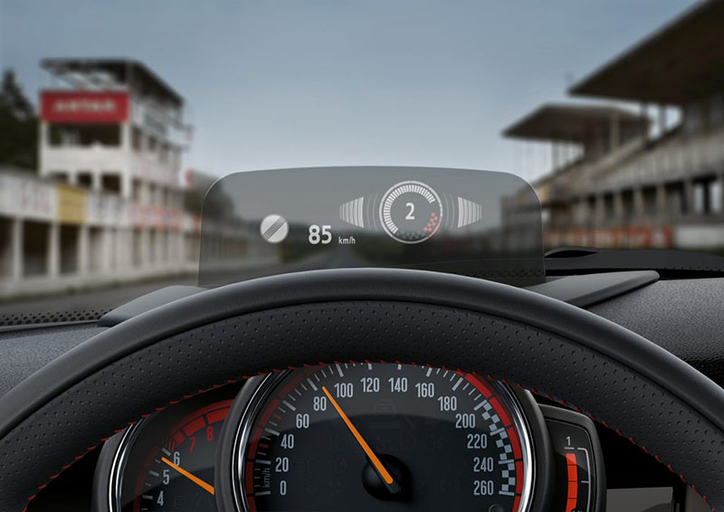 Head-up display van MINI met CarPlay