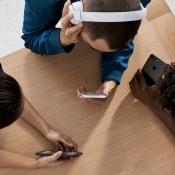 Apple Store: iPhone-gebruikers met Beats-hoofdtelefoons