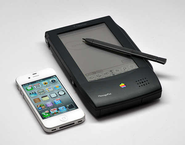 Newton Messagepad met iPhone