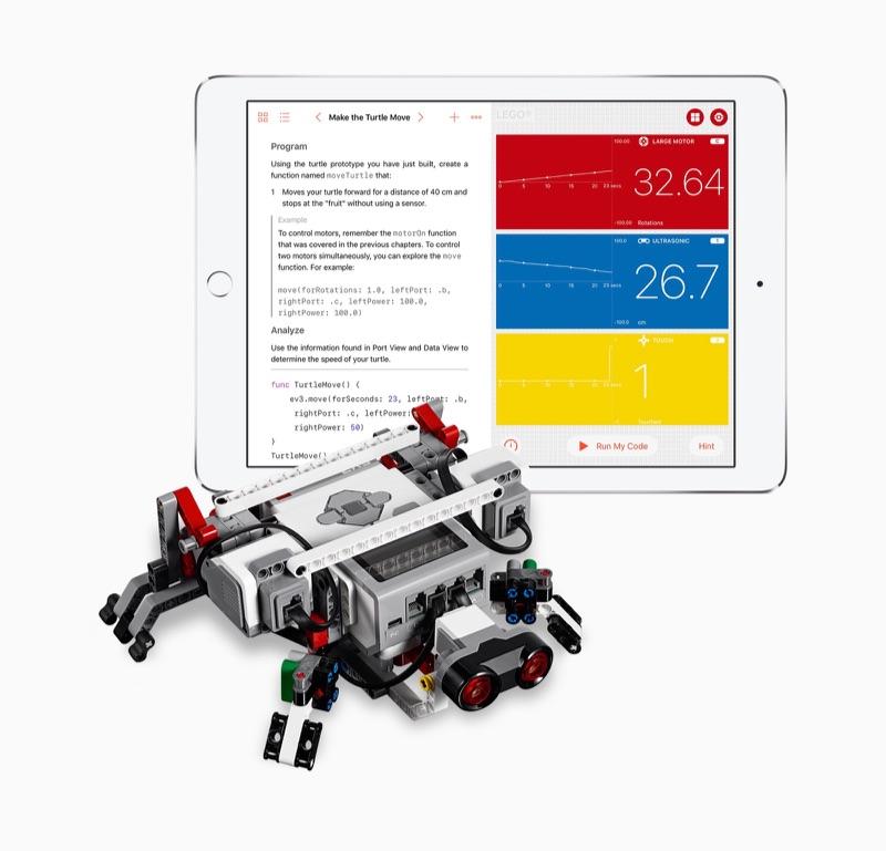 Swift Playgrounds op iPad met robot.