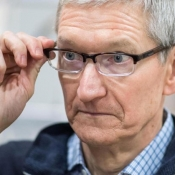 Tim Cook bril