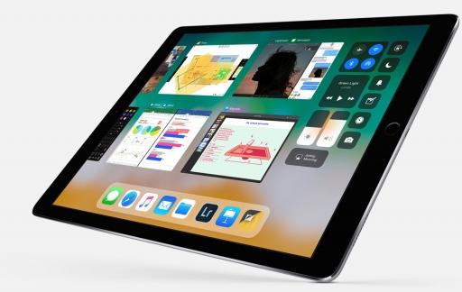 iOS 11 op de iPad Pro met dock en appkiezer.