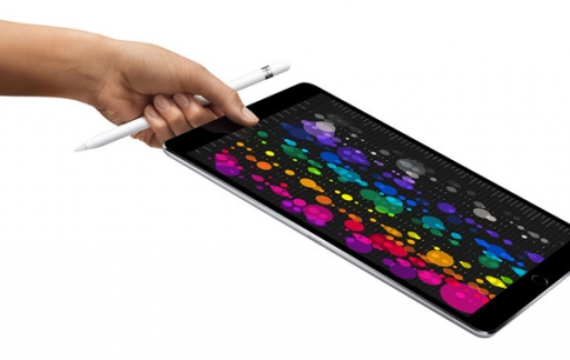 iPad Pro met Apple Pencil en hand