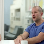 Jony Ive en Marc Newson praten over design