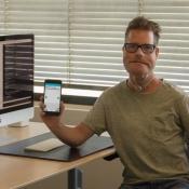 Erwin Oudshoorn met de app Talkie