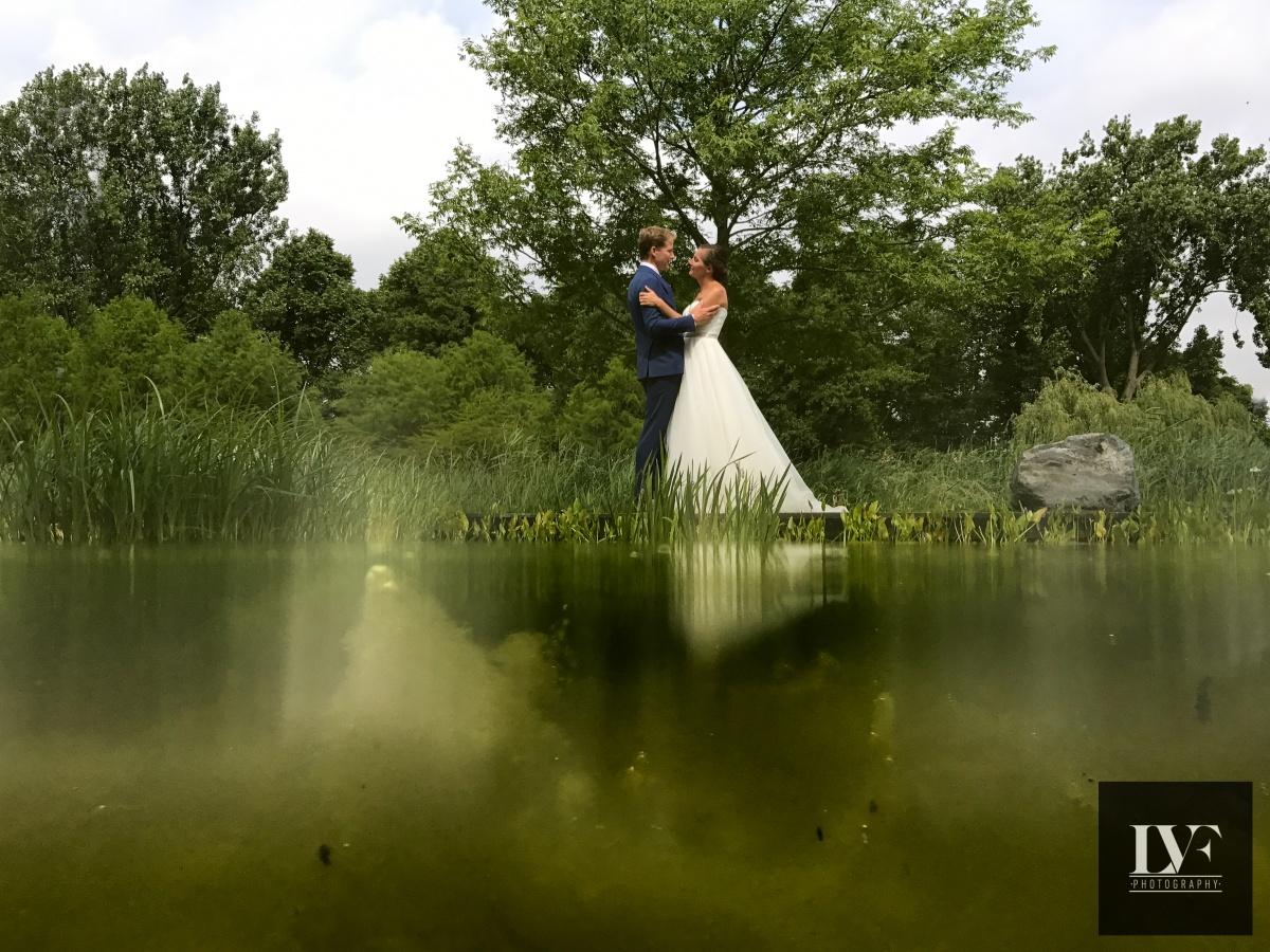 iPhone bruiloft: foto half onder water