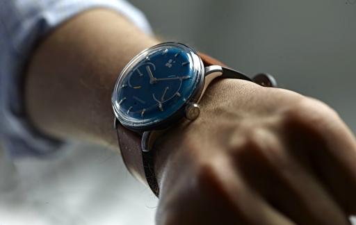 Sequent smartwatch op de pols