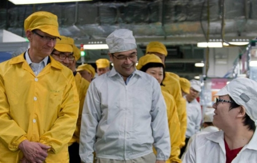 Tim Cook China, Foxconn