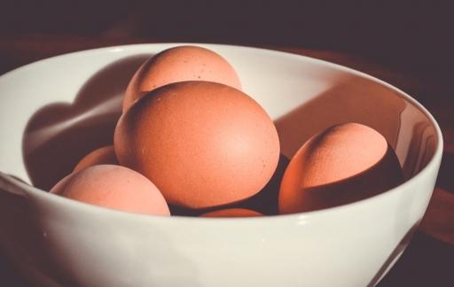 Eieren in een schaal.