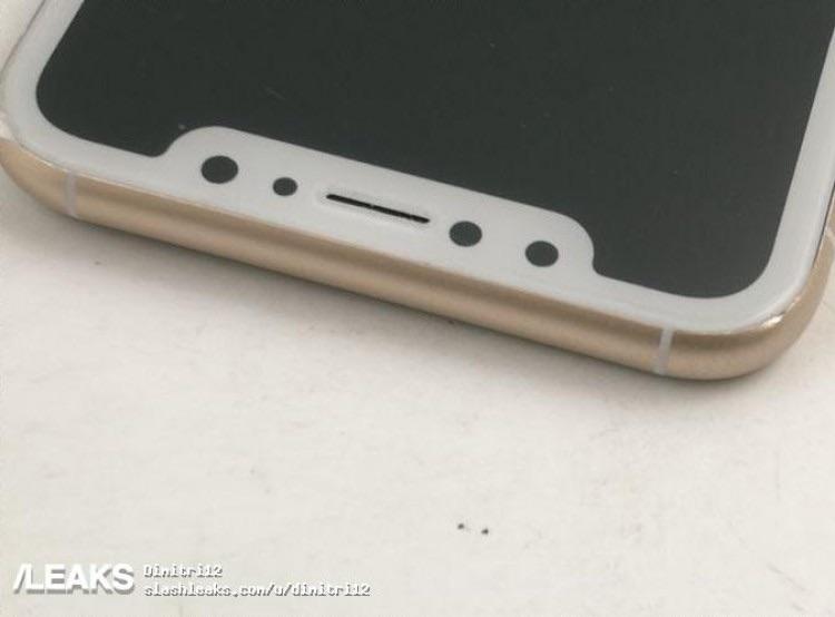 Bovenkant van de iPhone 8 in koper.