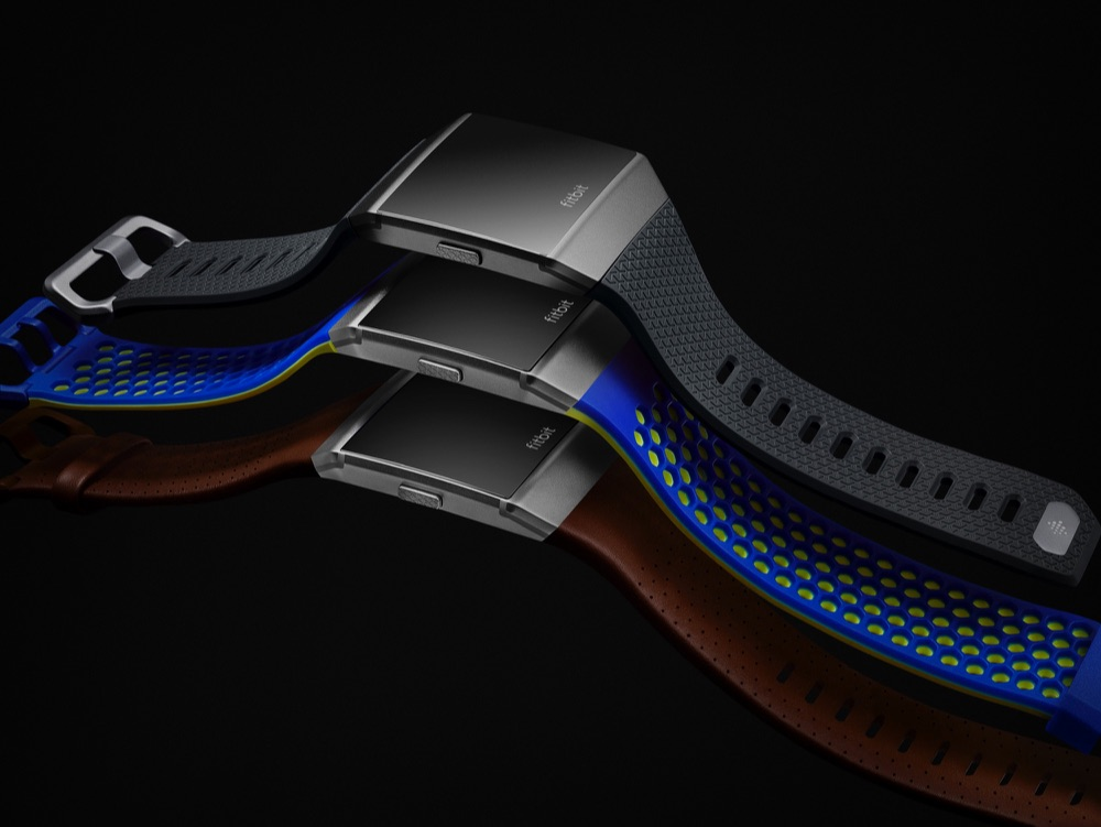 Fitbit Ionic kleuren in het donker.