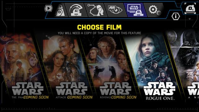 R2D2 kijkt films mee